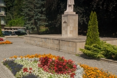 Rabaty pod pomnikiem T.Kościuszki w Sanoku